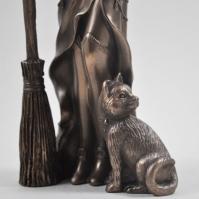 Sculptura Vrajitoare si pisica