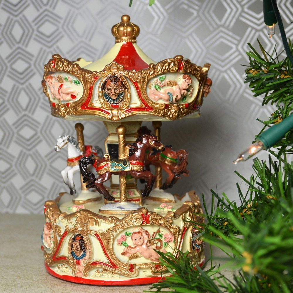 Mergi la Carusel muzical Caluti, Cupidon si Clovni